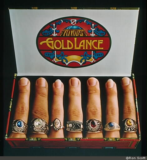 Fingers in Cigar Box ©Ron Scott